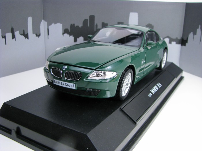 BMW Z4 Coupé green 1:24 Cararama